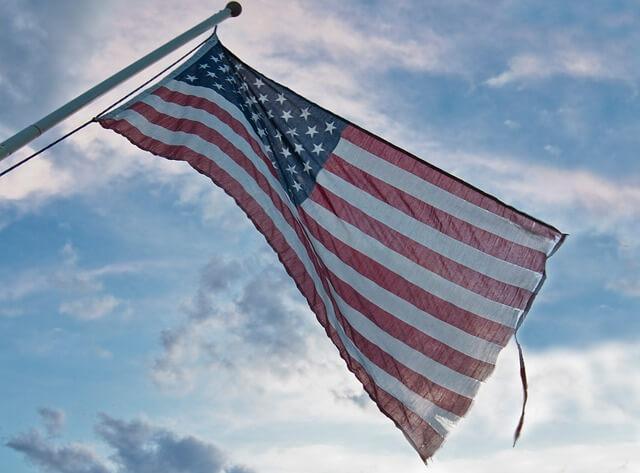 flag-916490_640