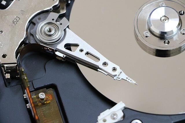 hard-disk-1071668_640