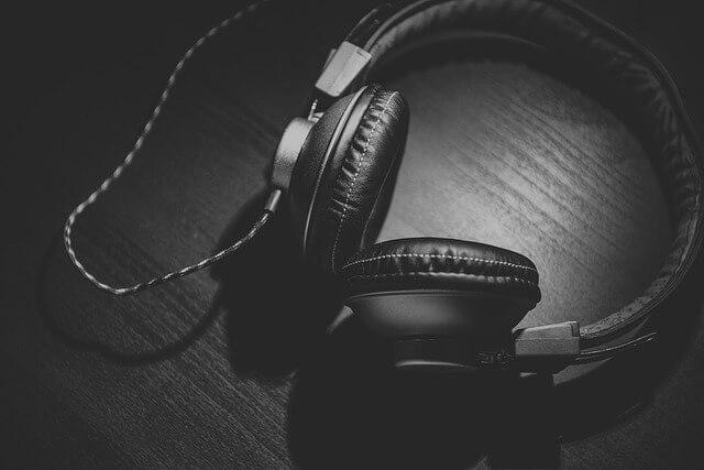 headphones-690685_640 (1)