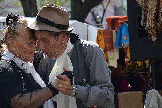 tango-935221_640