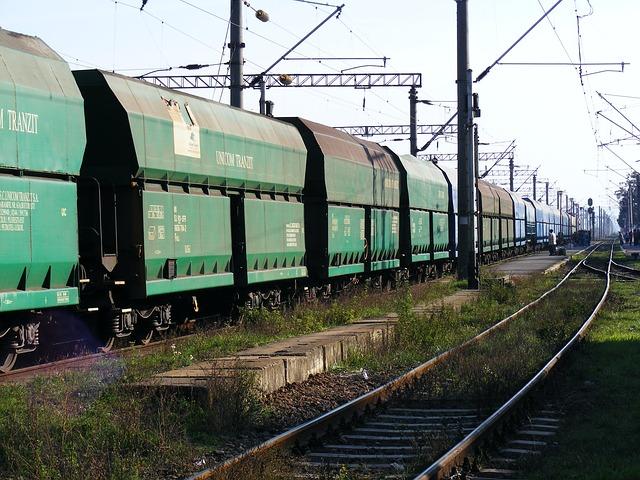 train-88147_640