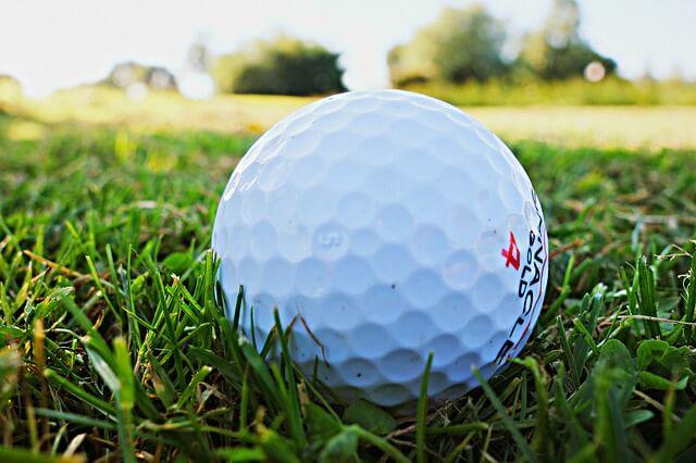 golf-ball-1605948_640